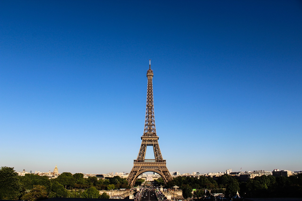 switzrland and paris tour packaes in cheap